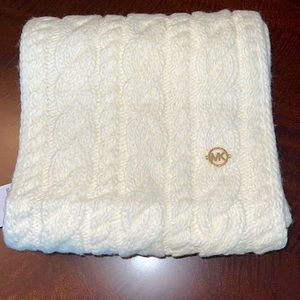 Michael Kors Cable-knit Infinity Scarf